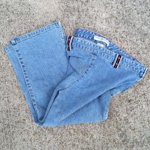 Tommy Hilfiger Jeans Women's Capri Blue Denim Pant